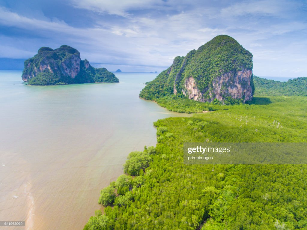 Aerail Beautiful view at tropical sea  in south thailand : Foto stock