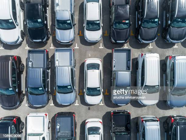 aerail top view, new car parked on the parking lot waiting for export in the factory , asia, thailand. - top fotografías e imágenes de stock