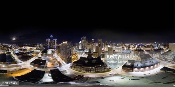 panorama aéreo 360° de detroit downtown - vr 360 fotografías e imágenes de stock