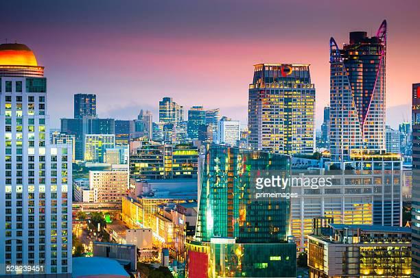 空から見たアジアの街並みの眺め