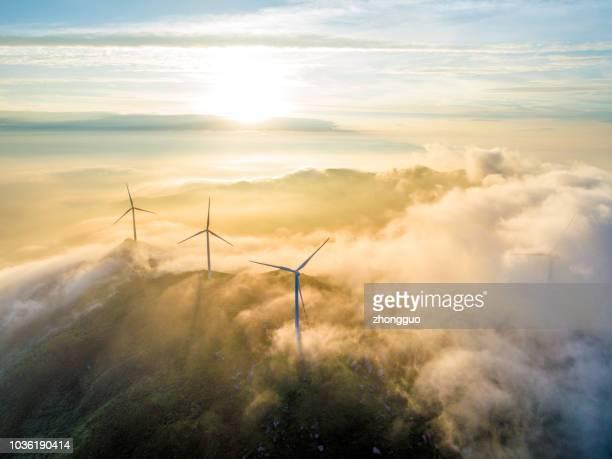 aerial molnkraft sjö och vind - vindkraftverk bildbanksfoton och bilder