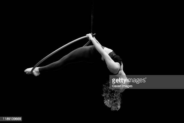 aerial dancing beauty - 空中曲芸師 ストックフォトと画像