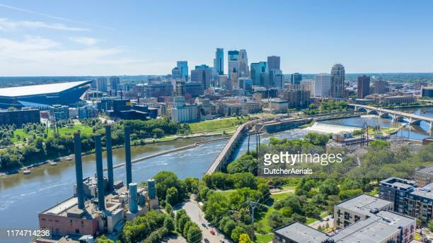 aerial downtown minneapolis - st. paul minnesota stock pictures, royalty-free photos & images