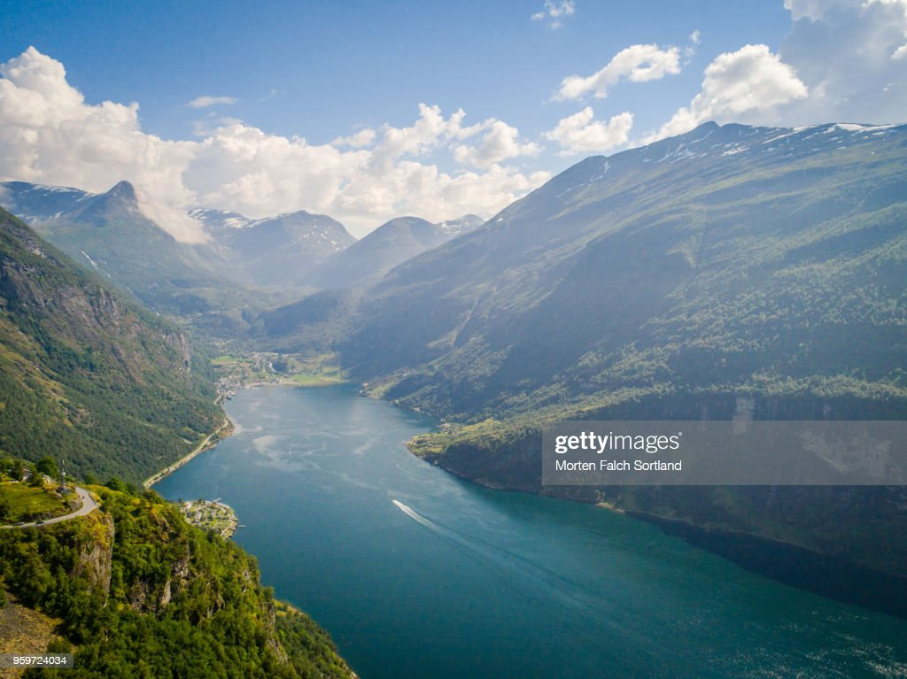 Aerial Drone Shot of the Majestic Geirangerfjord, Norway Summertime : Stock-Foto