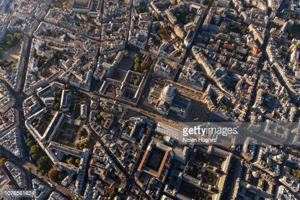 aerial flying over panthéon in paris france - inquadratura da un aereo foto e immagini stock