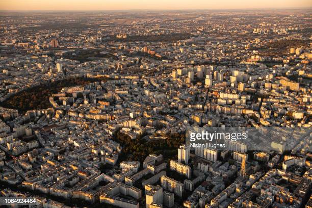 aerial flying over paris france, sunset - ile de france photos et images de collection