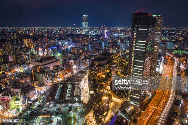 Aerial futuristische Neon Highrise Stadtbild Nacht Namba Wolkenkratzer Osaka Japan