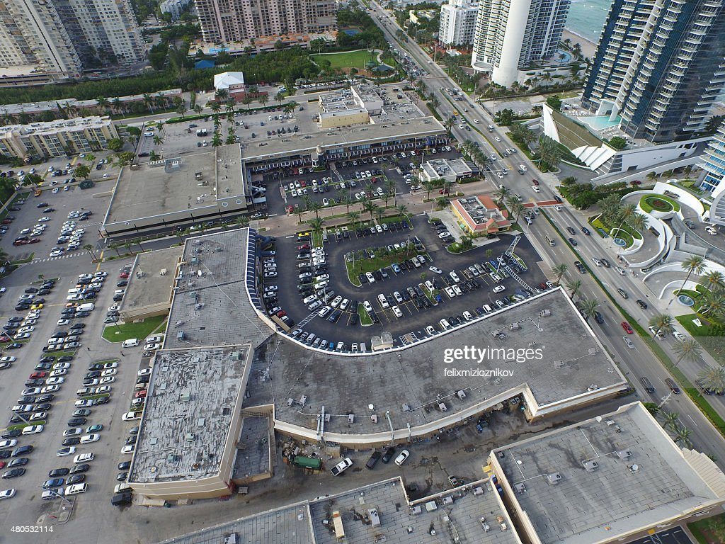 Aerial image of a shopping center : Bildbanksbilder