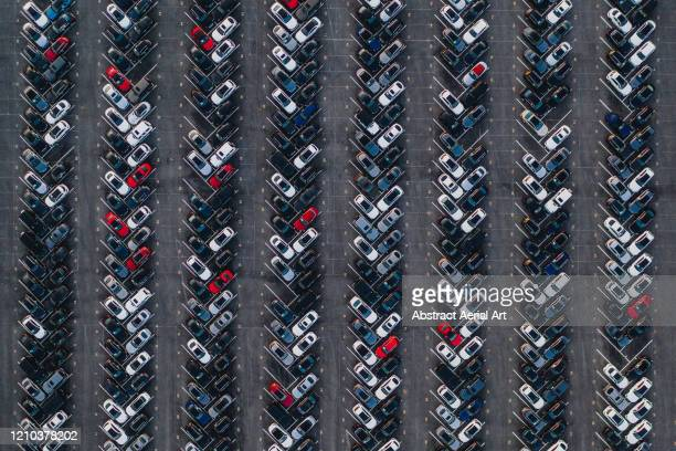aerial image of new cars for sale, united states of america - parken stock-fotos und bilder