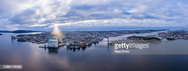aerial image of stavanger city and the surrounding islands - ローガラン県 ストックフォトと画像