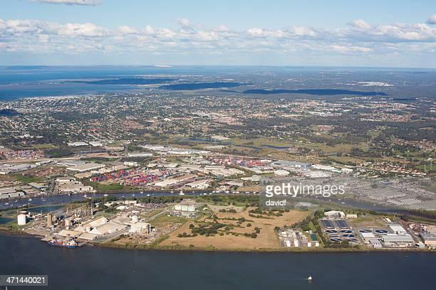 cena de cidade industrial aérea - estação de tratamento de esgotos imagens e fotografias de stock