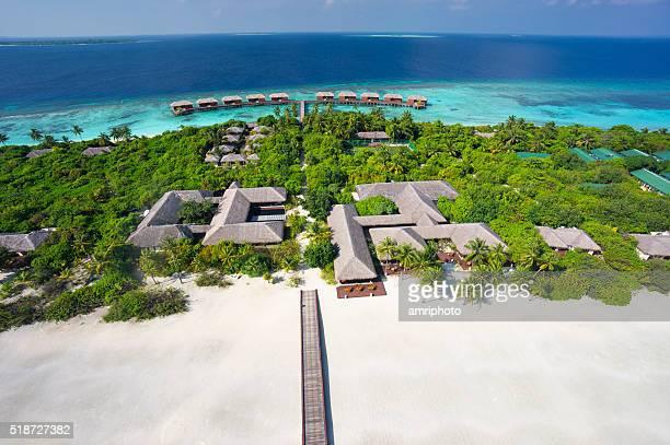 Vue aérienne du complexe insulaire de luxe