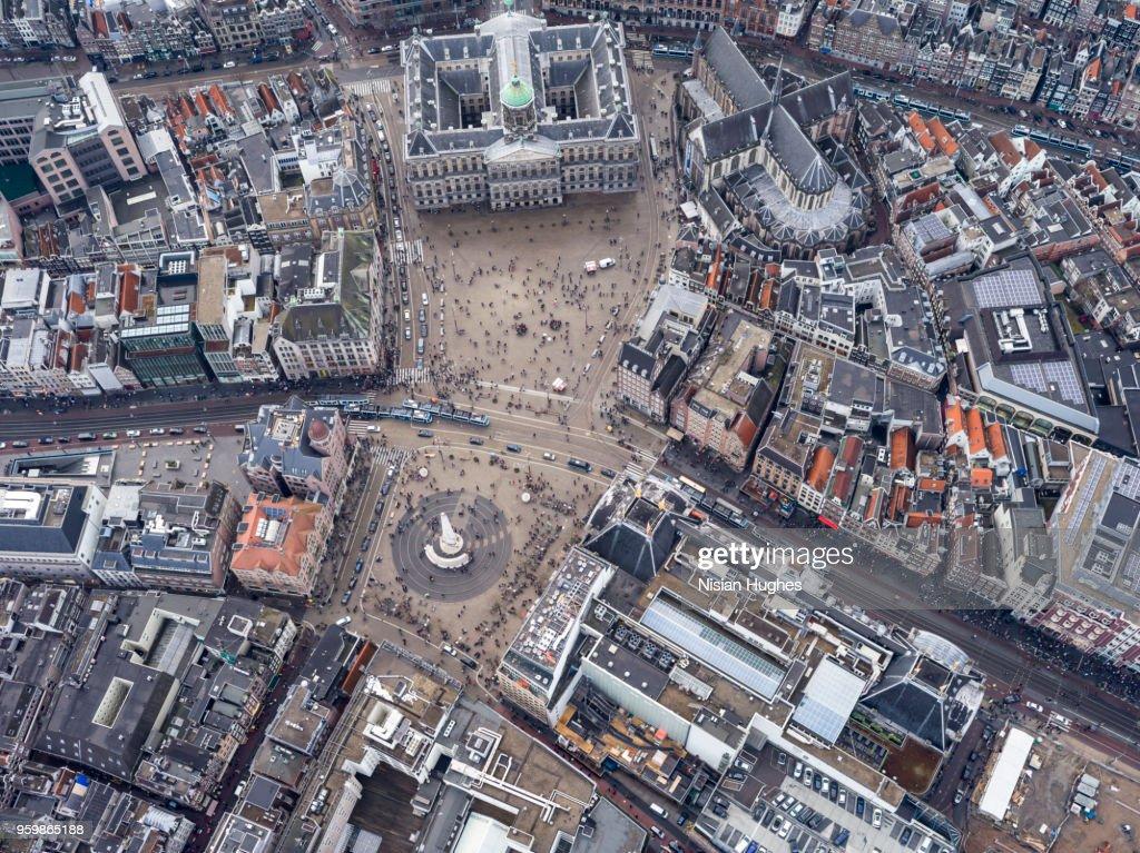 Aerial of Amsterdam center over Dam Square : Stock-Foto
