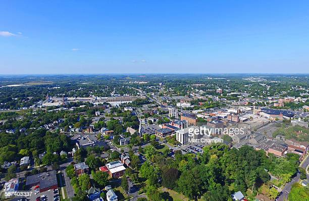 aerial of auburn, new york - lake auburn - fotografias e filmes do acervo