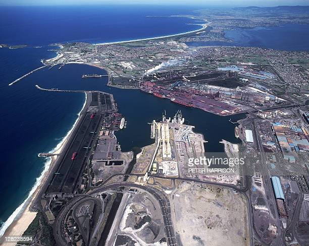 aerial of bhp steelworks, port kembla, new south wales, australia - docks stock pictures, royalty-free photos & images