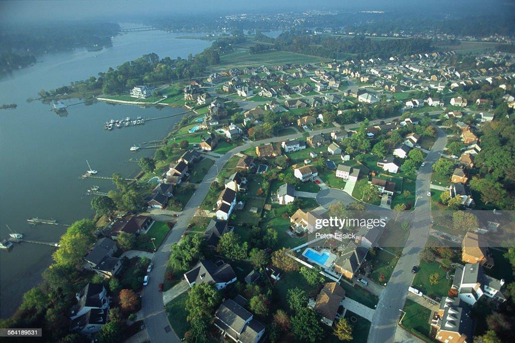 Aerial of housing development, Norfolk, VA. : ストックフォト