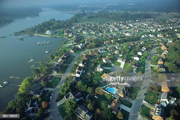 aerial of housing development, norfolk, va. - norfolk virginia stock pictures, royalty-free photos & images