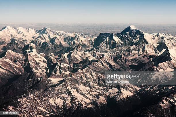 aerial of mt chomolungma aka mt everest - merten snijders stock pictures, royalty-free photos & images