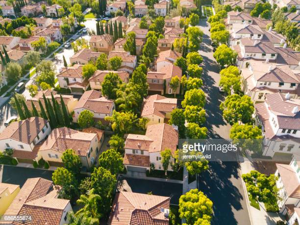 aerial of neighborhood - cul de sac stock pictures, royalty-free photos & images