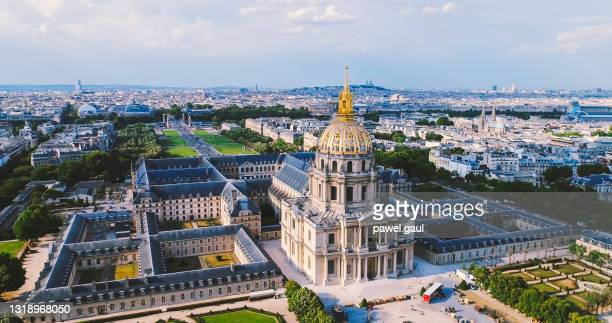 aerial of paris skyline with les invalides - les invalides quarter stock pictures, royalty-free photos & images