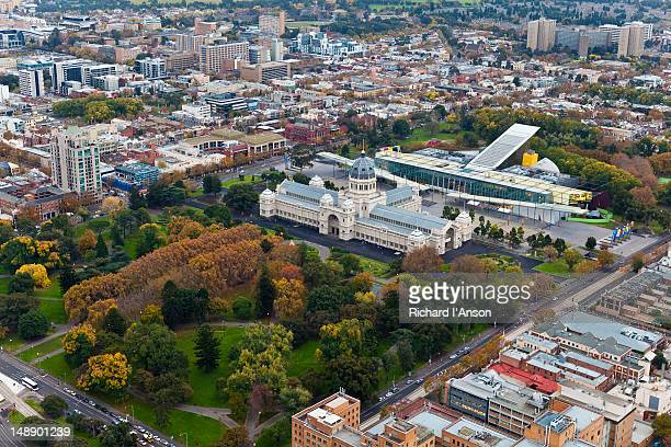 aerial of royal exhibition building, melbourne museum and carlton gardens. - carlton gardens stock pictures, royalty-free photos & images