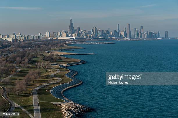 aerial of south lake shore drive in chicago - lake michigan stock pictures, royalty-free photos & images