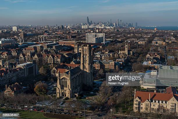 aerial of university of chicago rockefeller chapel - シカゴ大学 ストックフォトと画像