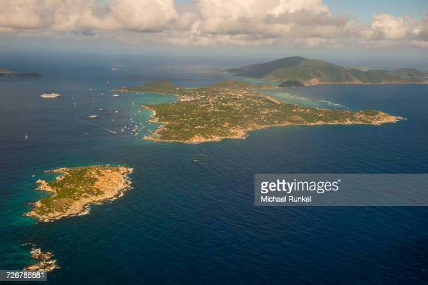 aerial of virgin gorda, british virgin islands, west indies, caribbean, central america - islas de virgin gorda fotografías e imágenes de stock