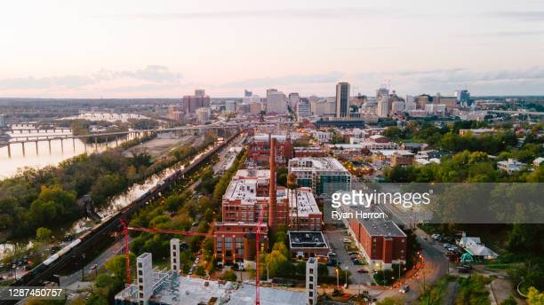 aerial over richmond, virginia - richmond virginia stock pictures, royalty-free photos & images