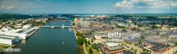aerial panorama of green bay, wisconsin - green bay wisconsin imagens e fotografias de stock
