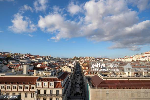 aerial perspective view of central famous street rua augusta on lisbon city atmosphere, people - rua stock-fotos und bilder