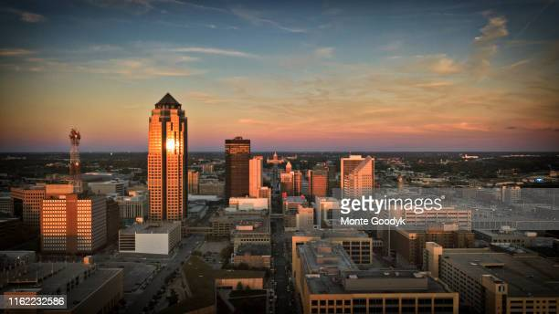 aerial photo of downtown des moines from southwest at sunset - アイオワ州 ストックフォトと画像