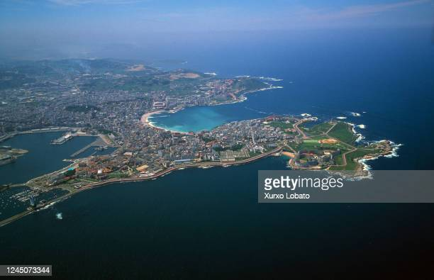 aerial photo of the bay of a coruña galicia spain - a coruna stock pictures, royalty-free photos & images