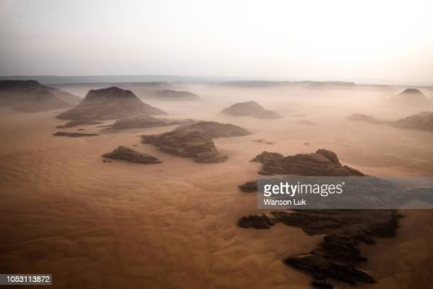 aerial photo of wadi rum - jordan middle east stock pictures, royalty-free photos & images