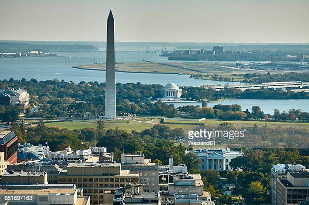 usa, aerial photograph of washington, d.c. showing the white house, washington monument, jefferson memorial, potomac river and national airport - casa branca washington dc - fotografias e filmes do acervo
