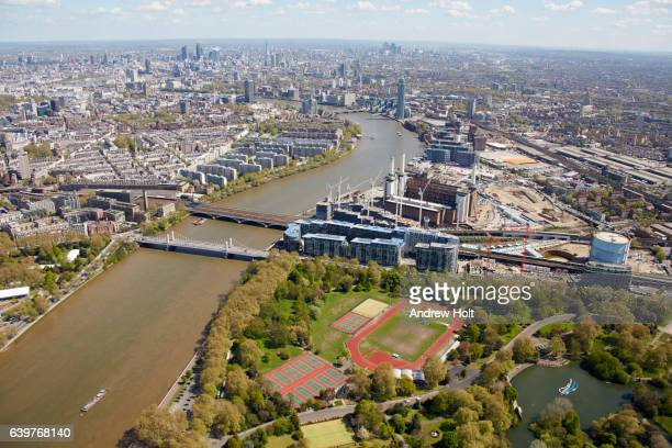 aerial photography view east of battersea park and river thames. london, sw11 uk. - battersea park stock pictures, royalty-free photos & images