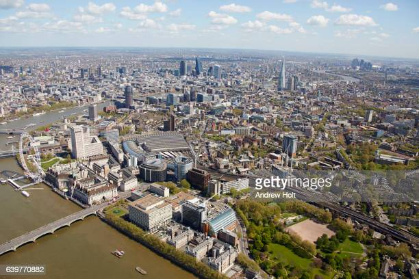 aerial photography view east of waterloo and southwark, london se1. - waterloo railway station london stock pictures, royalty-free photos & images
