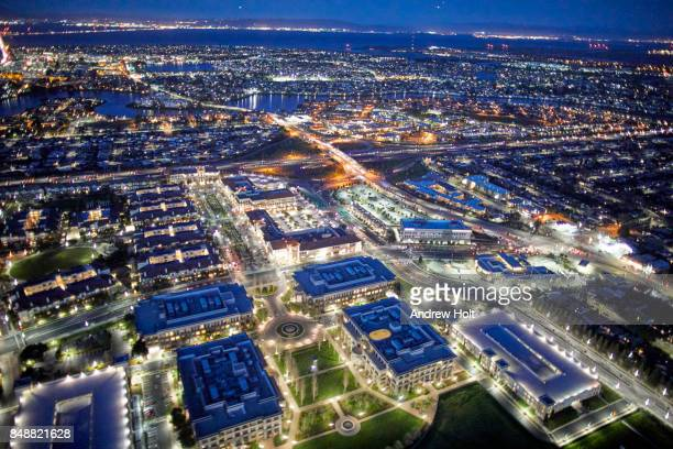 aerial photography view north-east of san mateo marriott san francisco airport in the san francisco bay area by night. california, united states. - san mateo county stock pictures, royalty-free photos & images