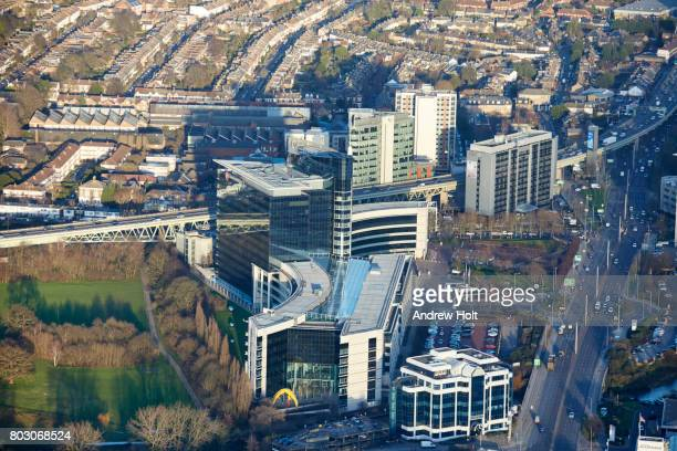 aerial photography view north-east of the gsk headquarters, brentford, tw8 9gs, uk. - ハウンズロー区 ストックフォトと画像