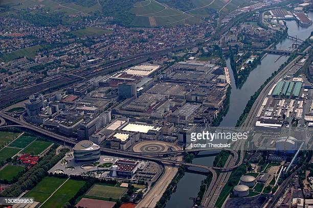 aerial picture, daimler benz business premises in stuttgart-untertuerkheim, baden-wuerttemberg, germany, europe - stuttgart stockfoto's en -beelden