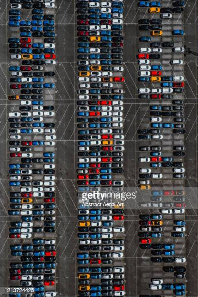 aerial shot directly above new cars, middelburg, netherlands - new zealand stockfoto's en -beelden