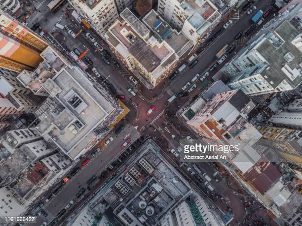 aerial shot in kowloon, hong kong - cidade - fotografias e filmes do acervo