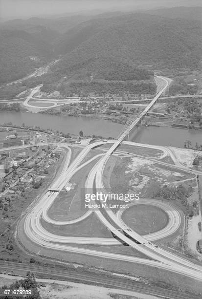 aerial shot of highway crossing and suspension bridge - {{ collectponotification.cta }} fotografías e imágenes de stock