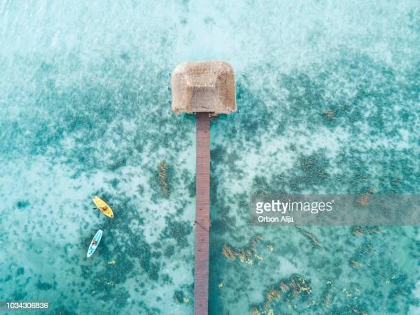 photo aérienne de kayaks - océan indien photos et images de collection