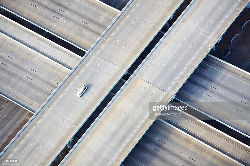 空から見た風景の 1 台で freeway : ストックフォト