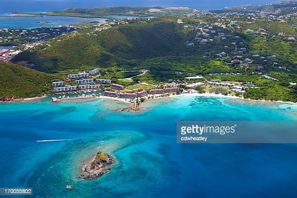 toma cenital de zafiro bahía de st. thomas, islas vírgenes de los estados unidos - paisajes de st thomas fotografías e imágenes de stock