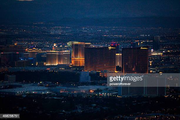 aerial shot of wynn/encore hotel and casino nighttime - wynn las vegas stock pictures, royalty-free photos & images