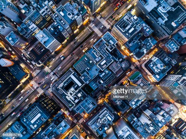 aerial shots of buildings and rooftops. - cidade - fotografias e filmes do acervo
