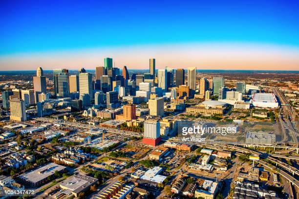 aérea skyline de houston, texas - houston texas fotografías e imágenes de stock