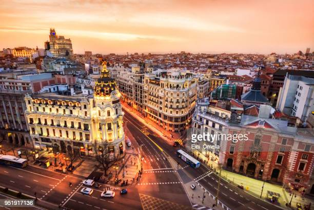 aerial view and skyline of madrid at dusk. spain. europe - horizonte urbano imagens e fotografias de stock